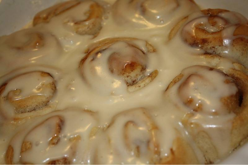 Cant Resist Cinnamon Rolls