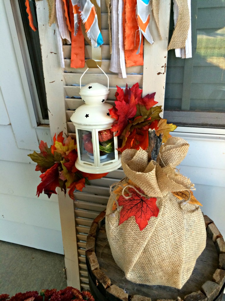 Fall Decor Shutter and Pumpkin