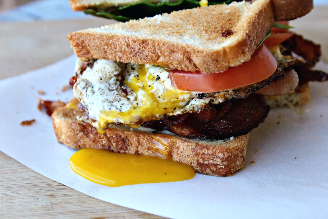 BLT & Fried Egg Sandwich - addicted to recipes