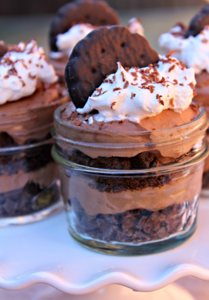 Thin Mints Chocolate Mousse Cups @addicted2recipe