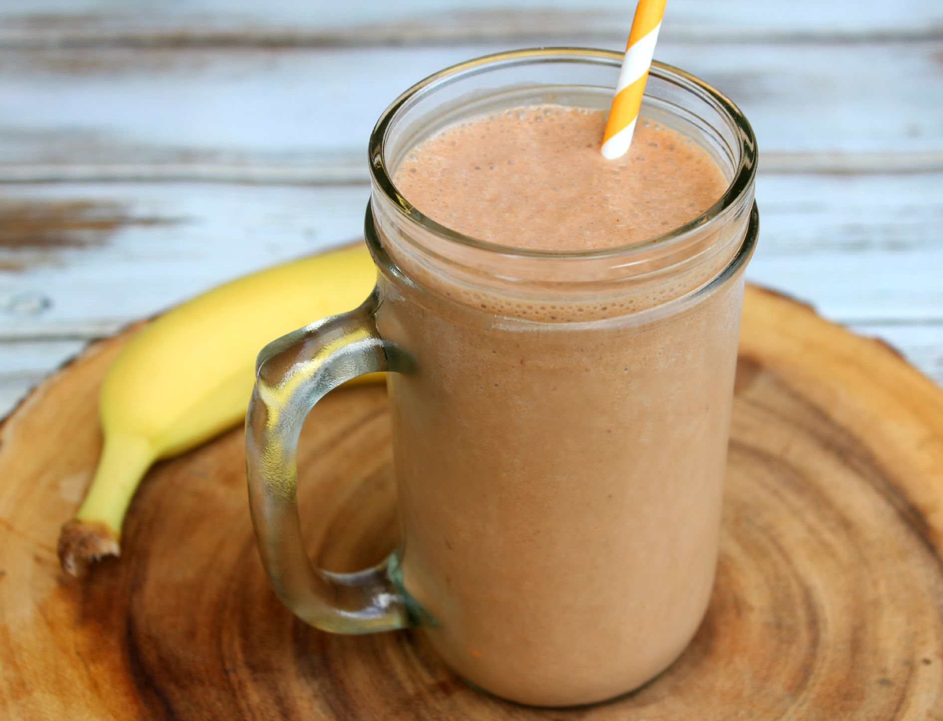 Nutella, Banana & Peanut Butter Smoothie - addicted to recipes