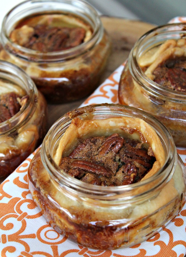 Mini Maple Pecan Pies in a Mason Jar - addicted to recipes