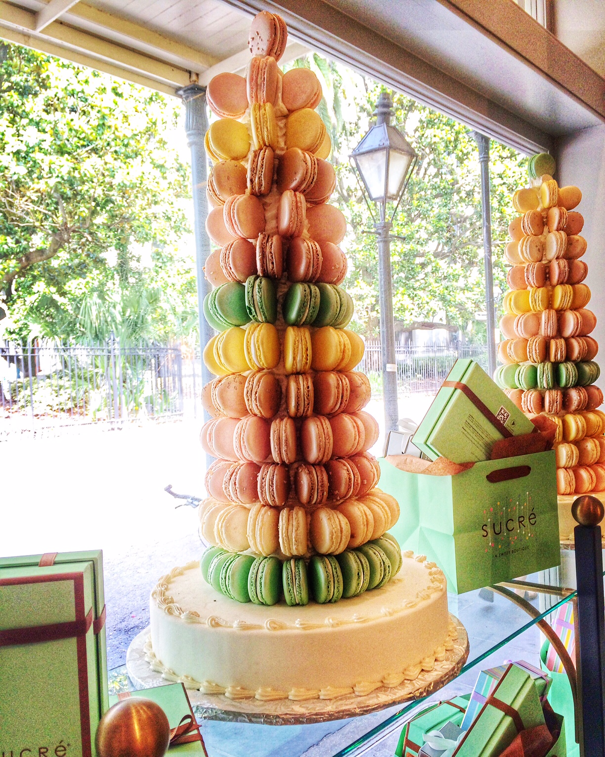 New Orleans Sucre Macaron Tree