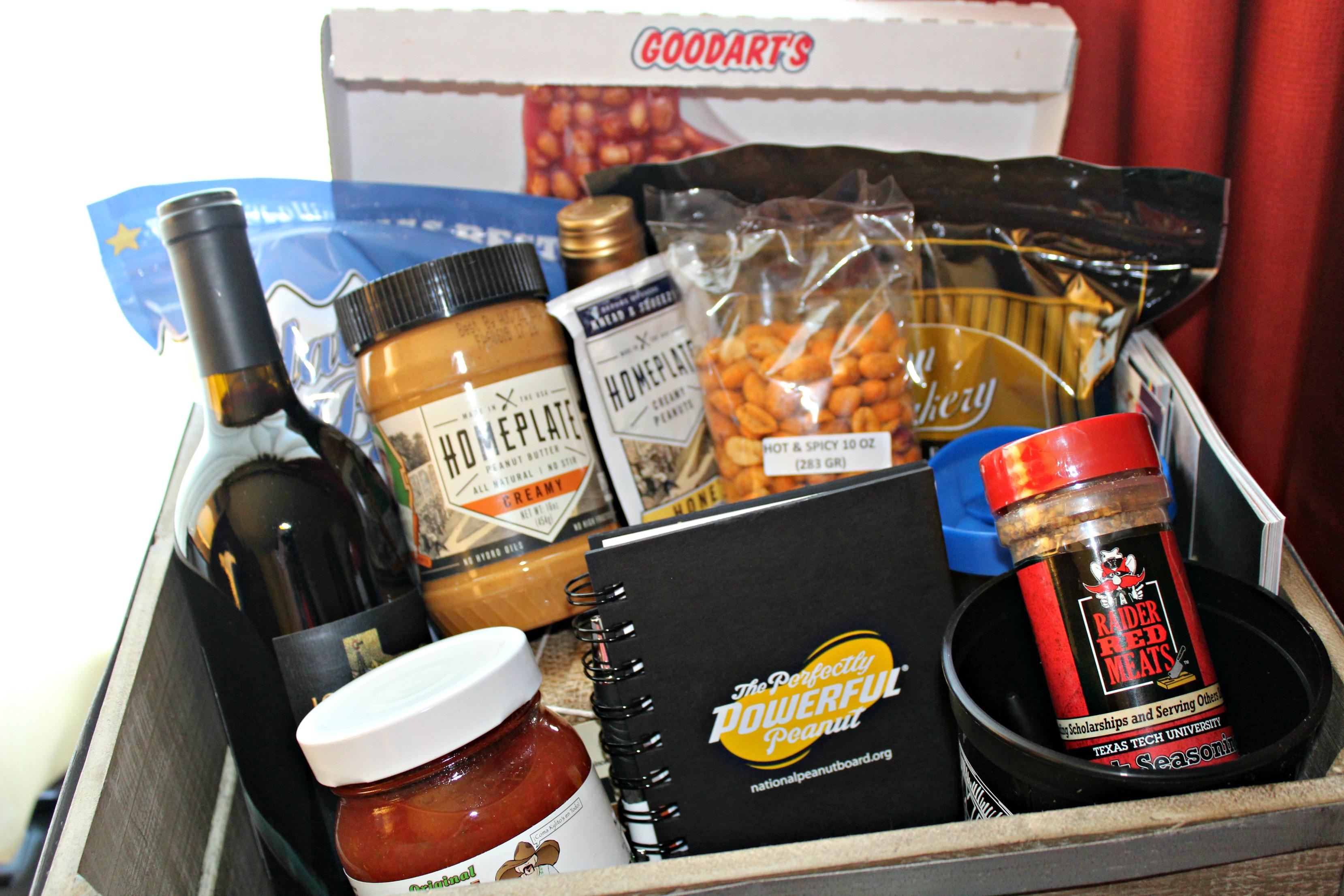 TX Peanuts Tour Gift Box