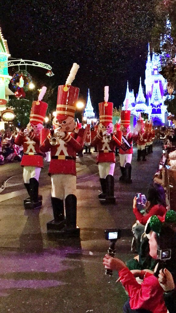Disney World Tips Mickeys Very Merry Christmas Parade
