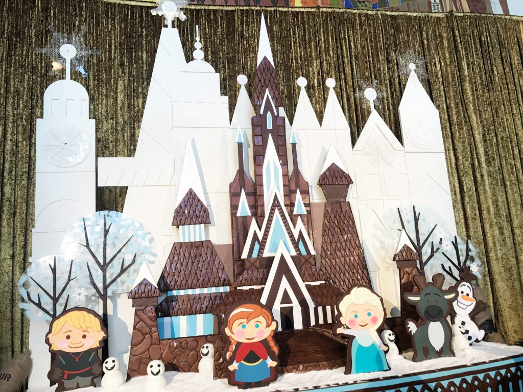disney-world-christmas-contemporary-resort-gingerbread-house