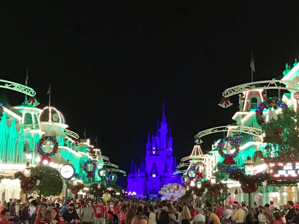 disney-world-christmas-magic-kingdom-castle-from-main-street