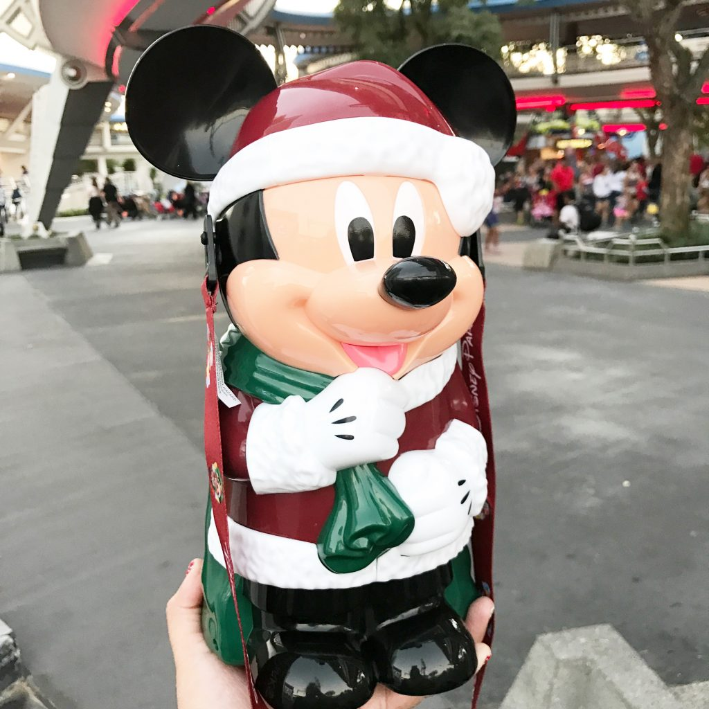 disney-world-christmas-magic-kingdom-mickey-christmas-popcorn-bucket