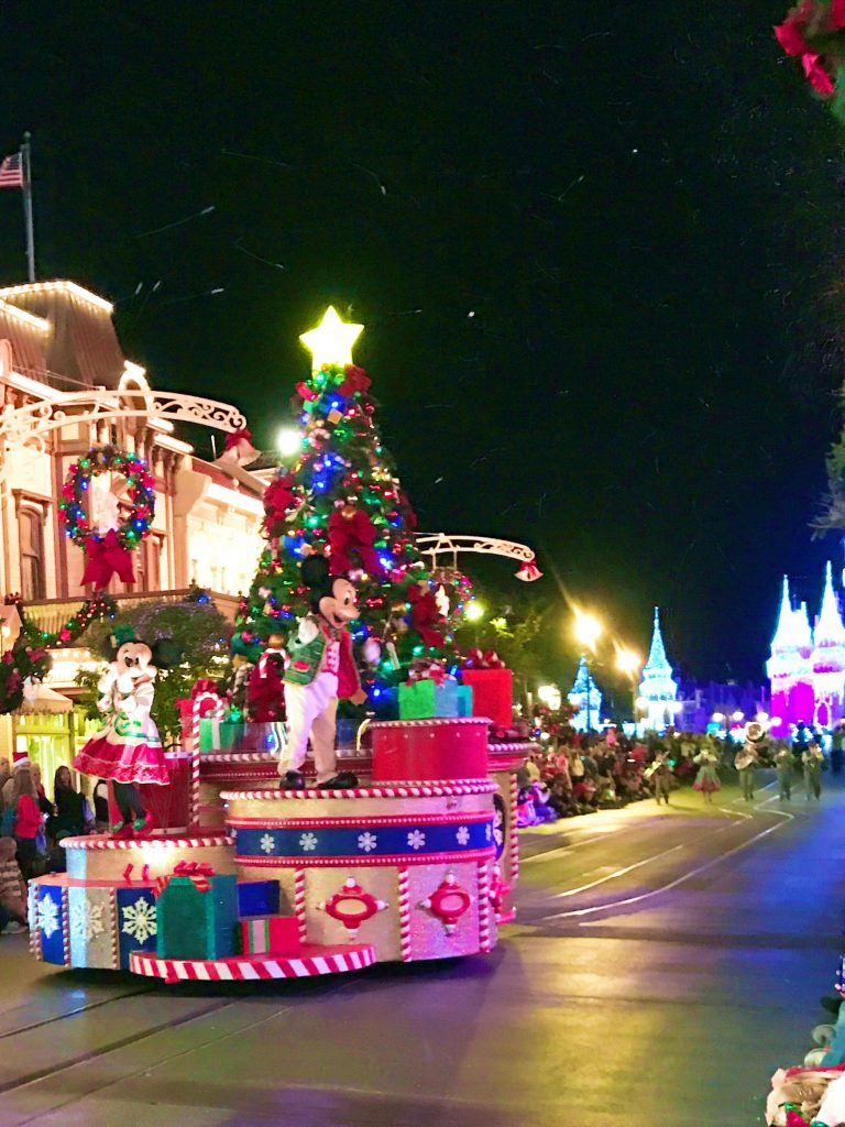 disney-world-christmas-magic-kingdom-mickeys-once-upon-a-christmastime-parade