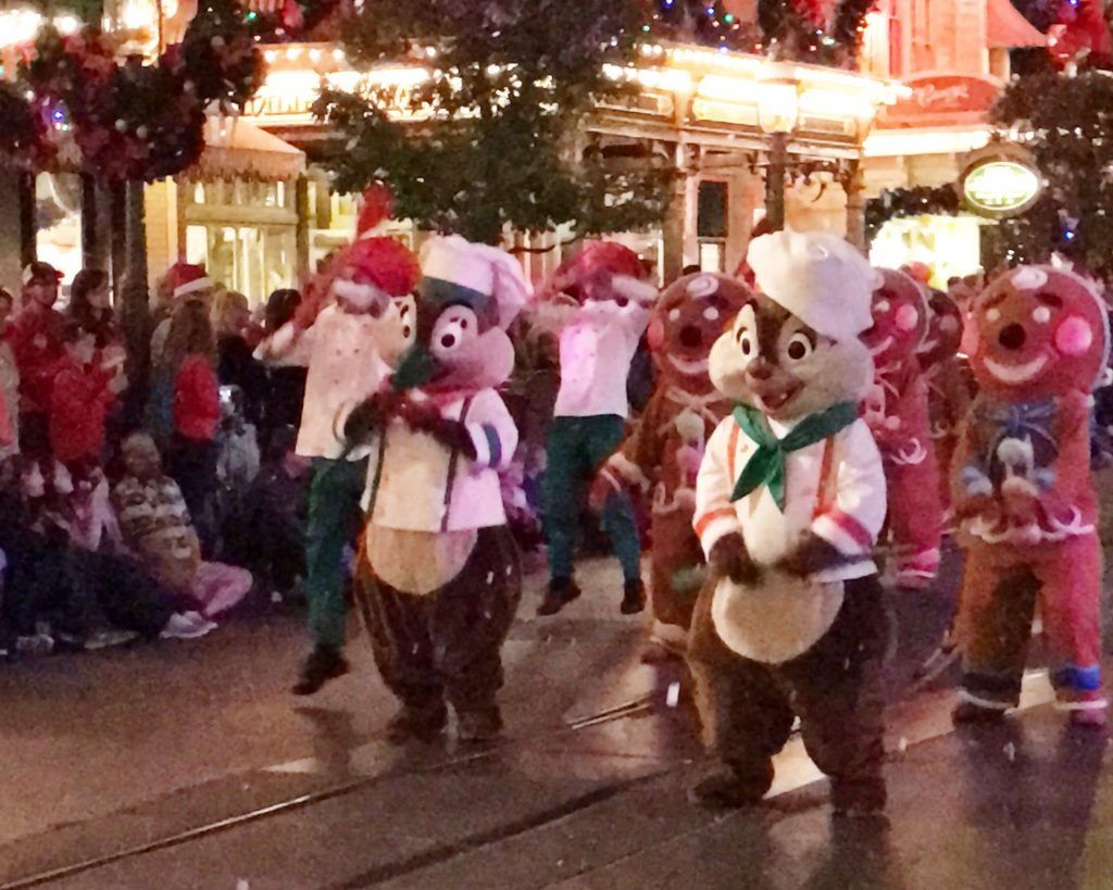 disney-world-christmas-magic-kingdom-mickeys-once-upon-a-christmastime-parade-chip-and-dale