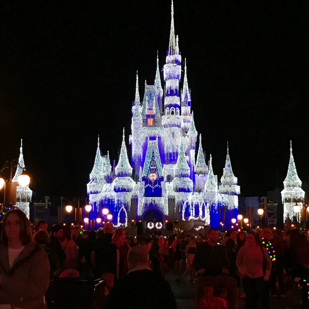 disney-world-christmas-magic-kingdom-mickeys-very-merry-christmas-cinderellas-icicle-castle