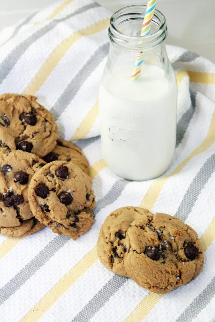 Salte Dulce de Leche Chocolate Chip Cookies