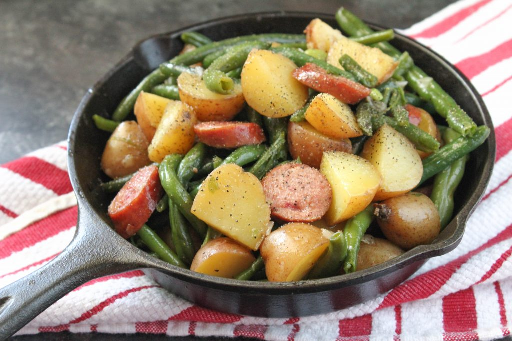 One Pot Smothered Green Beans, Potatoes and Turkey Sausage